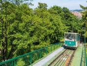 Seilbahn zum Berg Petrin in Prag der Attraktion für Kinder