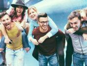 Gruppe Feiernder beim Jungesellen Abschied in Prag