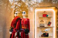 Schaufenster in der Pariser Straße beim exklusiven Shoppen in Prag
