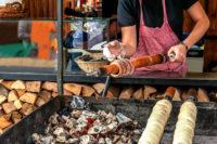 Baumstriezel Stand in Prag - ein kulinarischer Genuss
