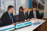 Bayerische Eisenbahngesellschaft und Länderbahn unterzeichnen Verträge für IR 25 Übergang