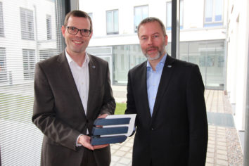 Gerhard Knöbel übergibt Geschäfte an Wolfgang Pollety