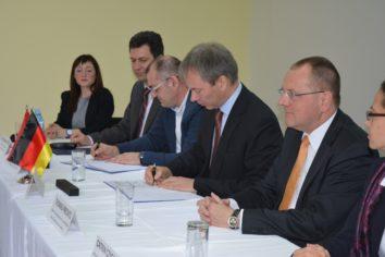 Feierliche Unterzeichnung eines Kooperationsvertrages in Belgrad