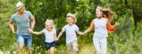 Familie reist günstig mit dem VLC-Ticket