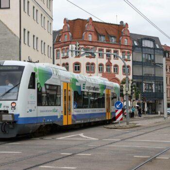 Die RB1 und RB2 fahren wieder uneingeschränkt bis ins Zwickauer Zentrum und verdoppeln damit die bislang stündlichen Direktverbindungen in die Innenstadt.