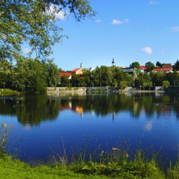 Der Kurpark von Grafenau im Sommer