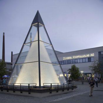Die Kristallgals Pyramide in Zwiesel