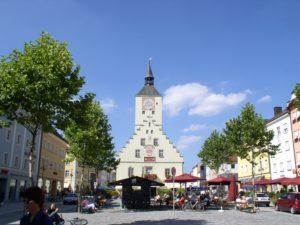 Der Luitpoldplatz also der Stadtplatz von Deggendorf
