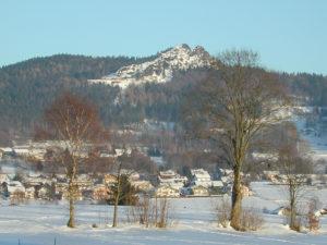 Blick zum Silberberg von Bodenmais aus im Winter